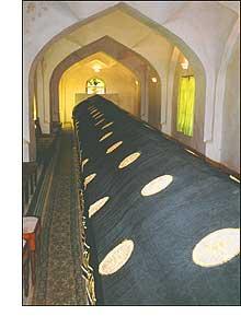 A tumba de 18 metros de Daniel, o profeta-gigante