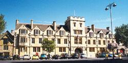 O St. John's College, em frente ao meu flat