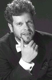 O pianista Marcelo Verzoni