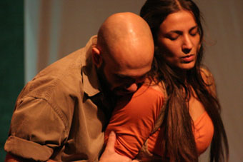 Maritta Cury e Antonio Ranieri em 'A Revolta'